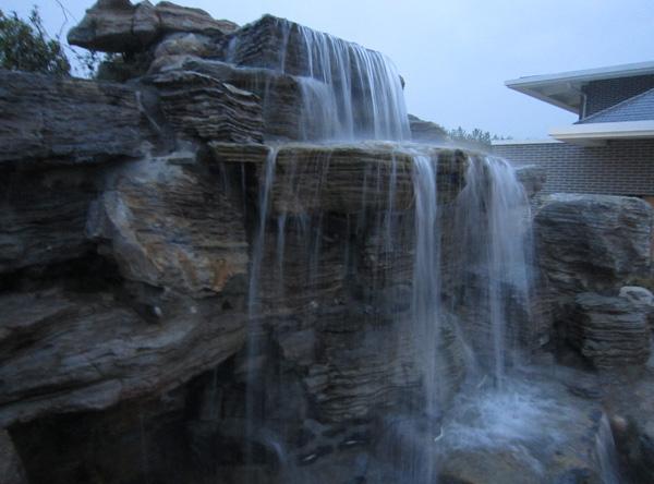 奇石喷泉水工程