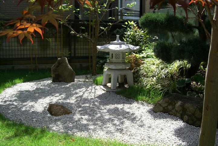 典型的日本私家小花园景观设计:千秋园